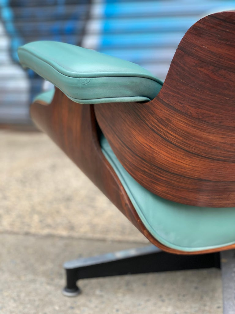 Rare Custom Herman Miller Eames Lounge Chair and Ottoman In Good Condition For Sale In Brooklyn, NY