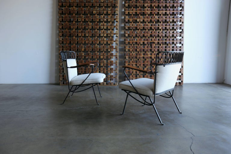 """Enameled Rare Pair of """"Ribbon"""" Lounge Chairs Maurizio Tempestini for Salterini For Sale"""