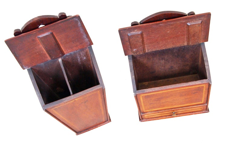 Rare Pair of 18th Century Georgian Mahogany Wall Hanging Boxes In Good Condition For Sale In Bedfordshire, GB