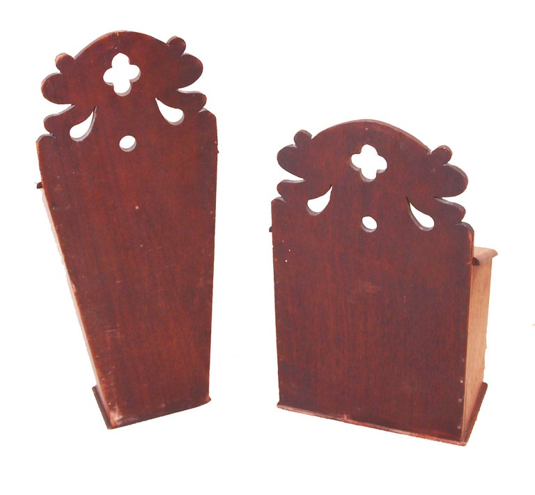 Rare Pair of 18th Century Georgian Mahogany Wall Hanging Boxes For Sale 4