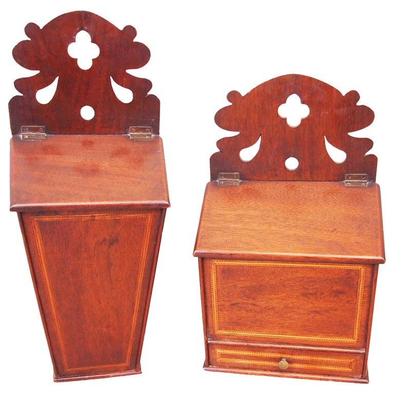 Rare Pair of 18th Century Georgian Mahogany Wall Hanging Boxes For Sale