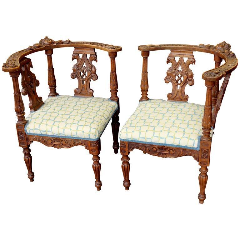 Rare Pair of Antique Scottish Carved Walnut Renaissance Style Corner Chairs  For Sale - Rare Pair Of Antique Scottish Carved Walnut Renaissance Style Corner