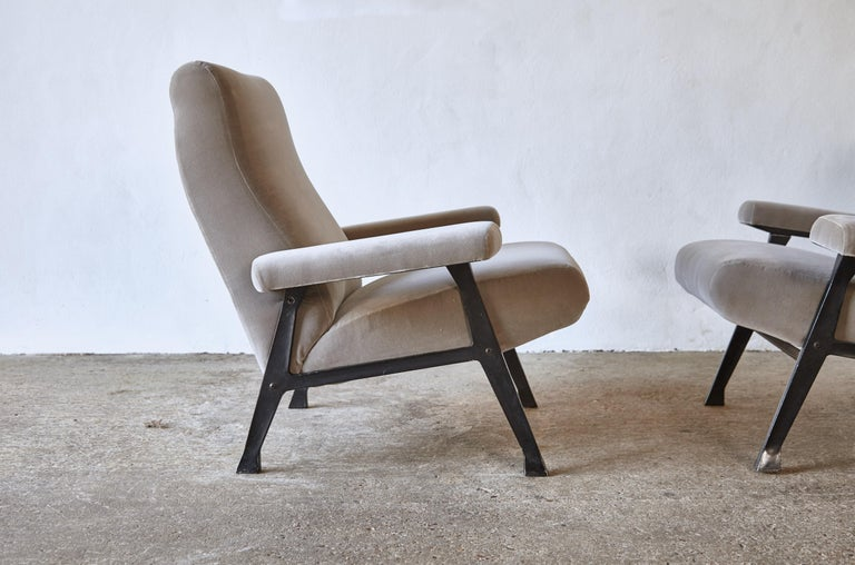 Rare Pair of Authentic 1950s Roberto Menghi Hall Chairs, Arflex, Italy 3