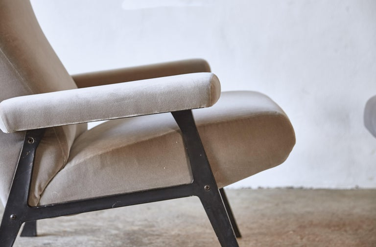 Rare Pair of Authentic 1950s Roberto Menghi Hall Chairs, Arflex, Italy 4