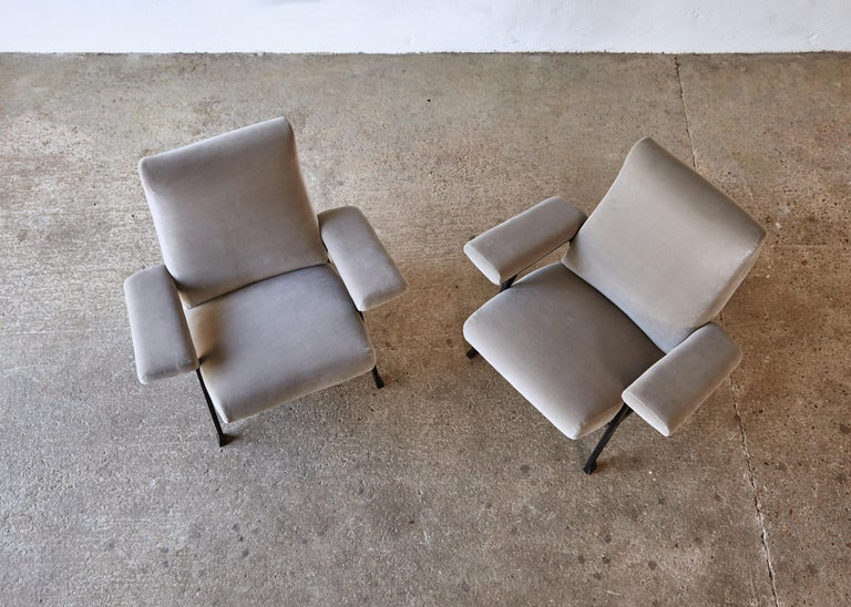 Rare Pair of Authentic 1950s Roberto Menghi Hall Chairs, Arflex, Italy 8