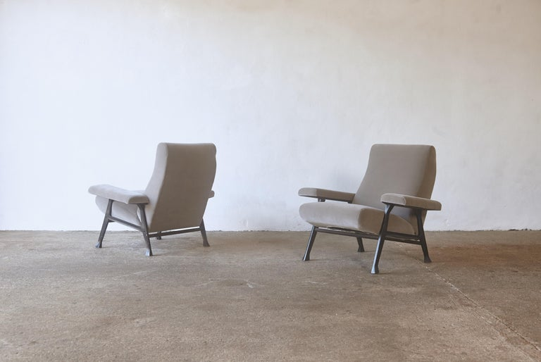 Mid-Century Modern Rare Pair of Authentic 1950s Roberto Menghi Hall Chairs, Arflex, Italy