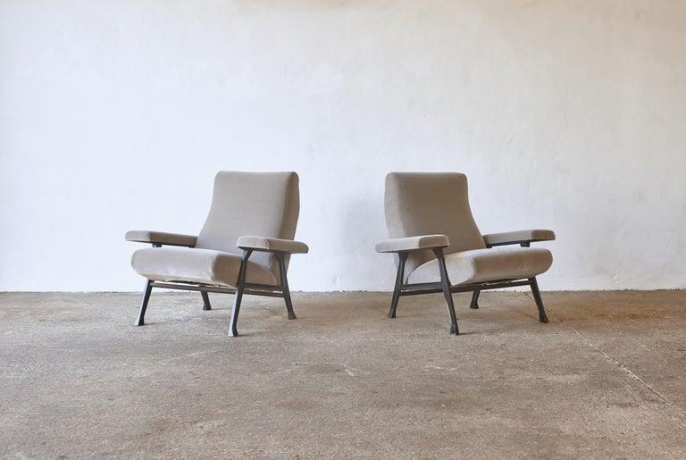 Italian Rare Pair of Authentic 1950s Roberto Menghi Hall Chairs, Arflex, Italy