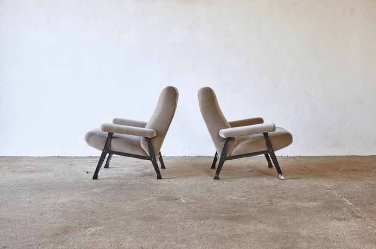 Rare Pair of Authentic 1950s Roberto Menghi Hall Chairs, Arflex, Italy In Good Condition In London, GB