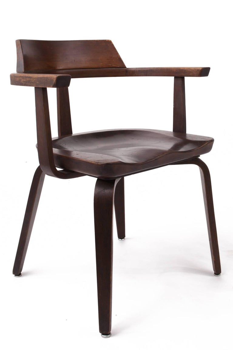 Rare Pair of Bauhaus W199 Chairs by Walter Gropius In Good Condition For Sale In New York, NY