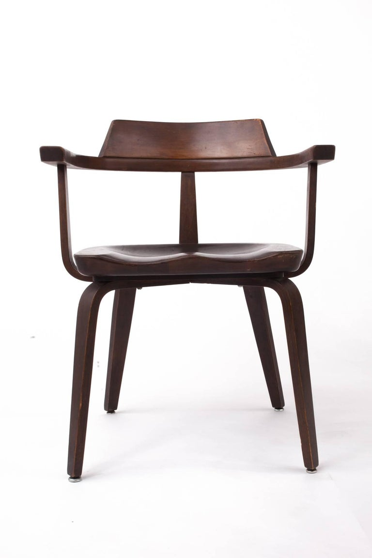 Mid-20th Century Rare Pair of Bauhaus W199 Chairs by Walter Gropius For Sale