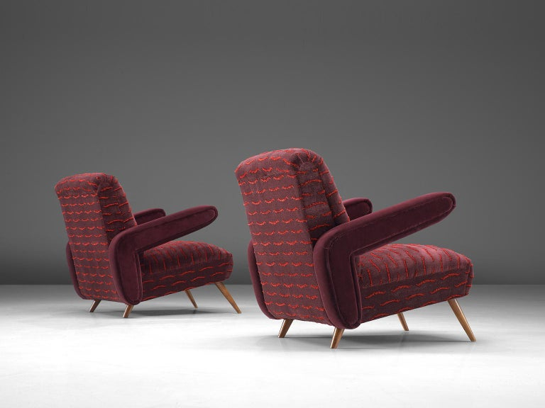 Rare Pair of Brazilian Armchairs Reupholstered in Luxurious Burgundy Velvets In Excellent Condition For Sale In Waalwijk, NL