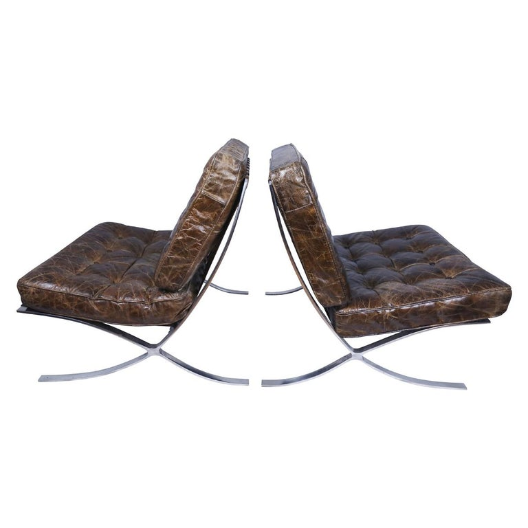 Rare Pair of Brown Distressed Leather Barcelona Chairs by Mies van der Rohe For Sale 1