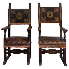 Rare Pair of Carved Wood and Leather Seignorial Thrones, 17th Century