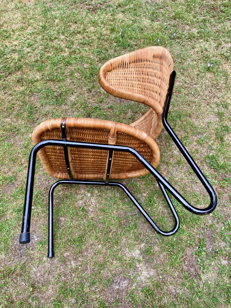 Rare Pair of Easy Chairs, Model 568, Designed by Dirk van Sliedregt, 1954 For Sale 3