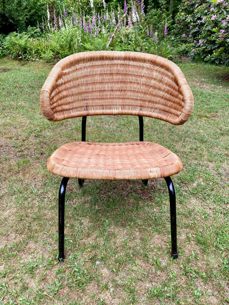 Rare Pair of Easy Chairs, Model 568, Designed by Dirk van Sliedregt, 1954 For Sale 4