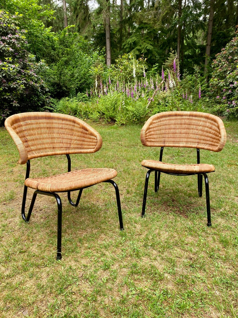 Rare Pair of Easy Chairs, Model 568, Designed by Dirk van Sliedregt, 1954 For Sale 9