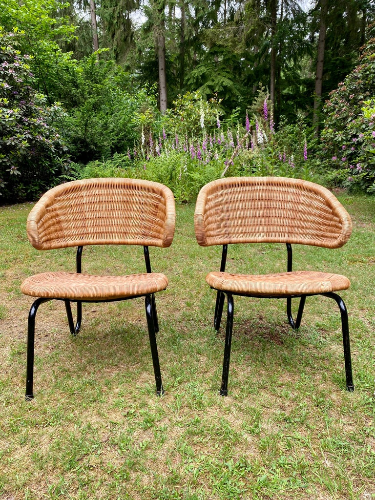 Rare Pair of Easy Chairs, Model 568, Designed by Dirk van Sliedregt, 1954 For Sale 10