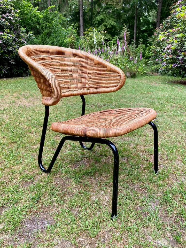 Mid-Century Modern Rare Pair of Easy Chairs, Model 568, Designed by Dirk van Sliedregt, 1954 For Sale