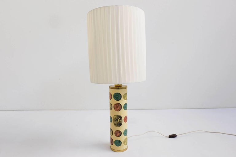 Rare Pair of Fornasetti Table Lamps Mod. Cammei, Italy, 1968 In Excellent Condition For Sale In Chiasso, CH