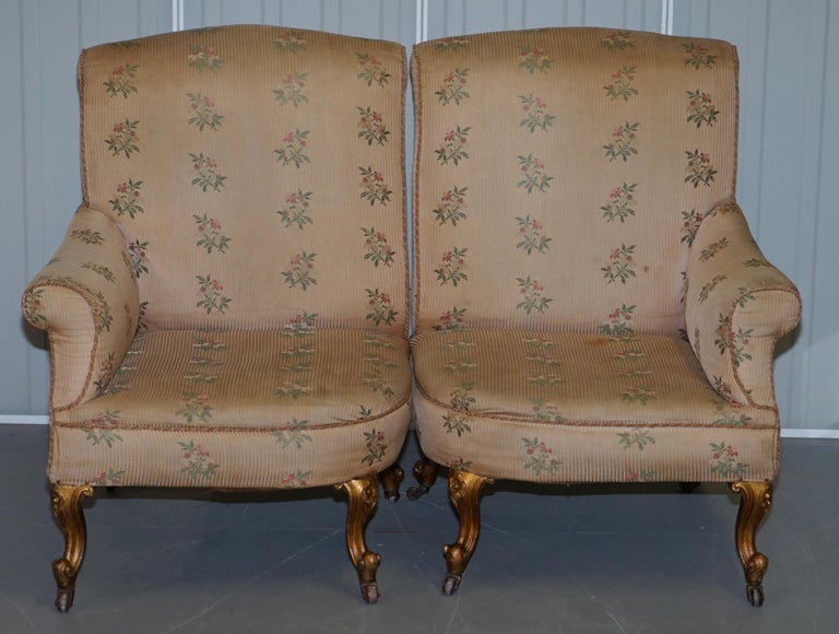 English Rare Pair of Giltwood Victorian Asymmetrical Armchairs Embroidered Bird Covers For Sale