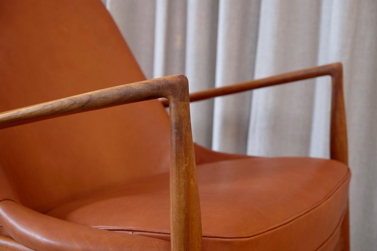 Rare Pair of Ib Kofod-Larsen Seal or Sälen Easy Chairs, 1960s For Sale 3