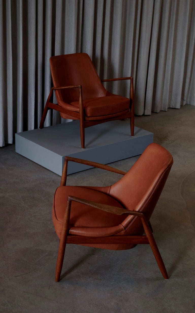 Rare Pair of Ib Kofod-Larsen Seal or Sälen Easy Chairs, 1960s For Sale 6