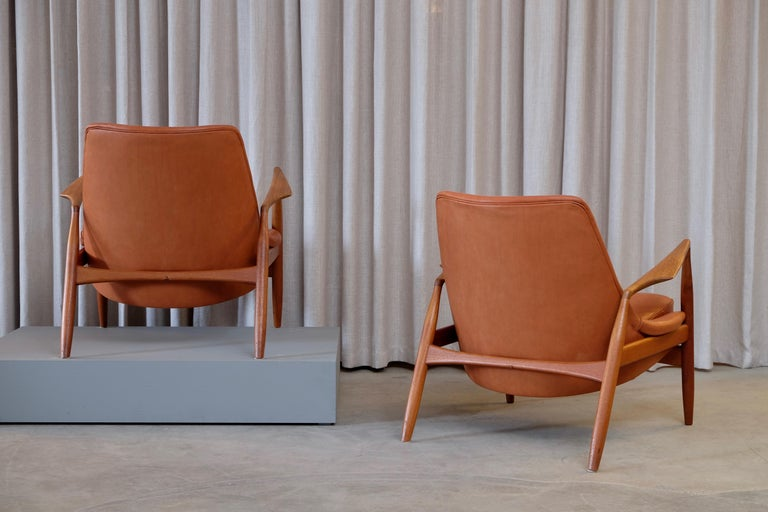 Leather Rare Pair of Ib Kofod-Larsen Seal or Sälen Easy Chairs, 1960s For Sale
