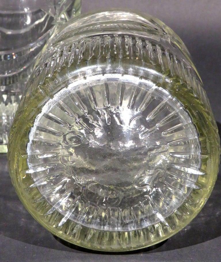 Rare Pair of Irish Georgian Cork Glass Company Wine Carafes,  Ireland Circa 1800 In Good Condition For Sale In Ottawa, Ontario
