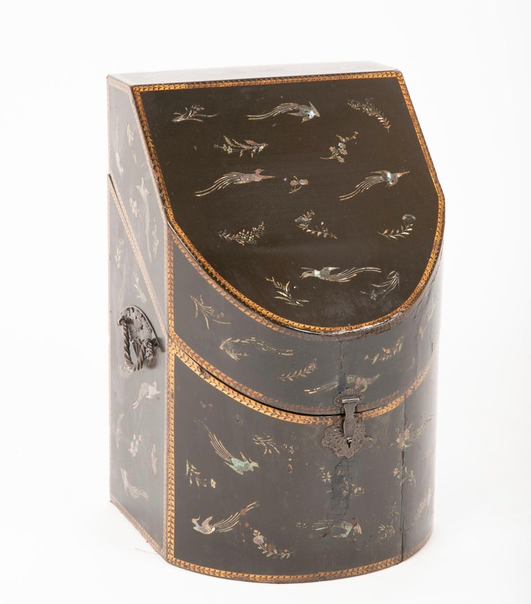 Anglo-Japanese Rare pair of Japanese Nagasaki Export Lacquered Wood Knife Boxes For Sale