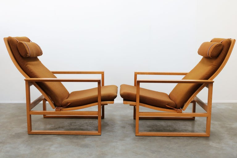Rare Pair of Model 2254 Lounge Chairs by Børge Mogensen with Ottomans 1950s Wool For Sale 3