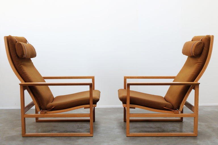 Rare Pair of Model 2254 Lounge Chairs by Børge Mogensen with Ottomans 1950s Wool For Sale 4