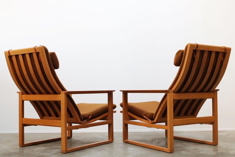 Rare Pair of Model 2254 Lounge Chairs by Børge Mogensen with Ottomans 1950s Wool For Sale 5