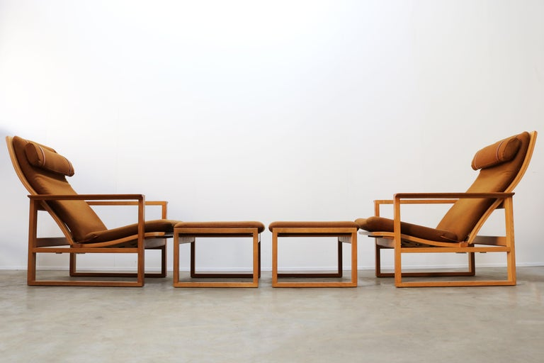 Swedish Rare Pair of Model 2254 Lounge Chairs by Børge Mogensen with Ottomans 1950s Wool For Sale