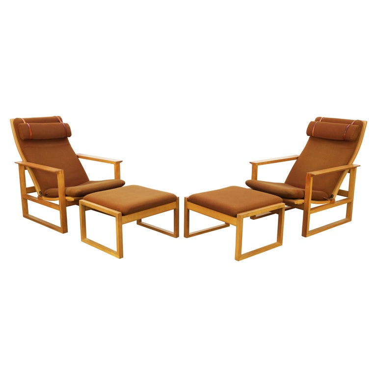 Rare Pair of Model 2254 Lounge Chairs by Børge Mogensen with Ottomans 1950s Wool For Sale