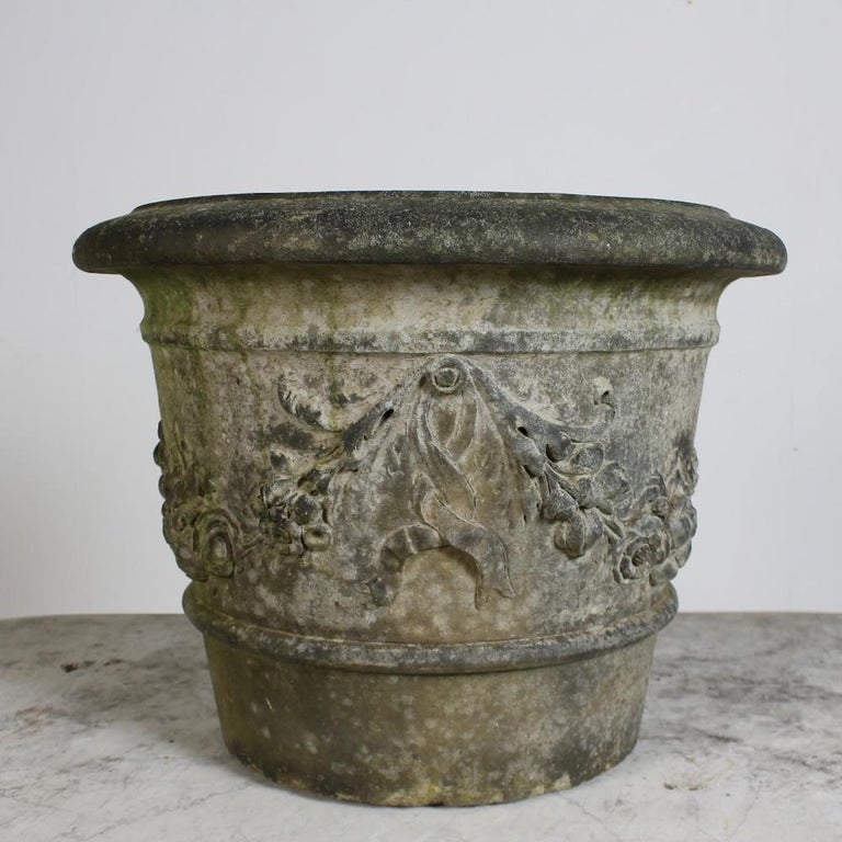 Rare Pair of Pulham of Broxbourne Terracotta Garden 'Cirencester' Pots In Good Condition For Sale In Shustoke, GB
