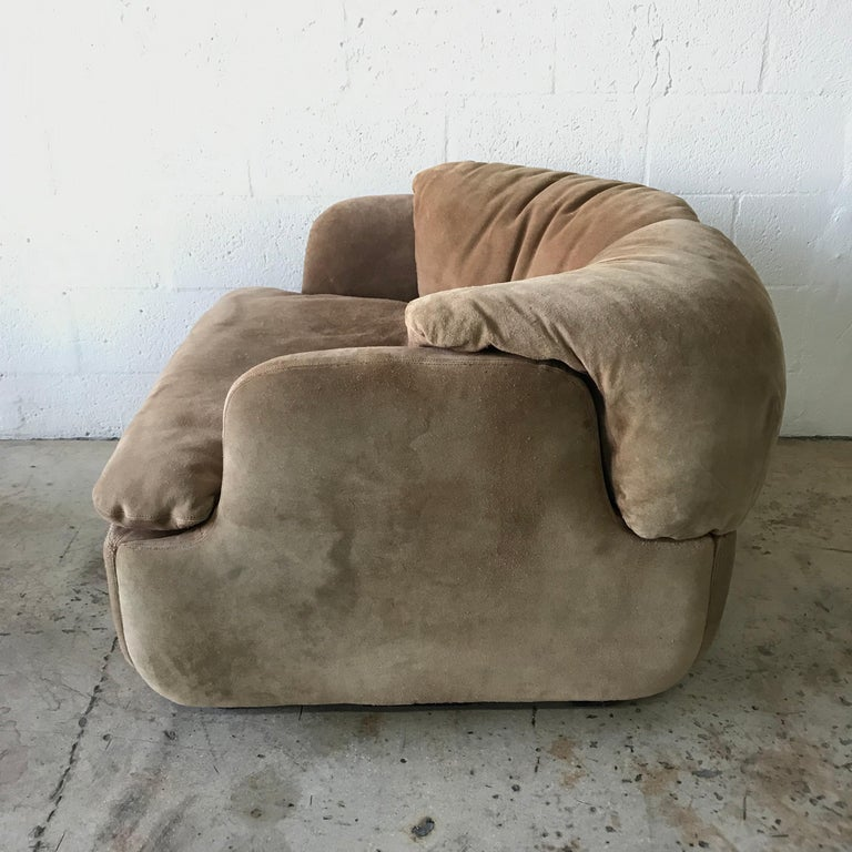 """Italian Rare Pair of Suede """"Confidential"""" Armchairs or Club Chairs by Alberto Rosselli For Sale"""