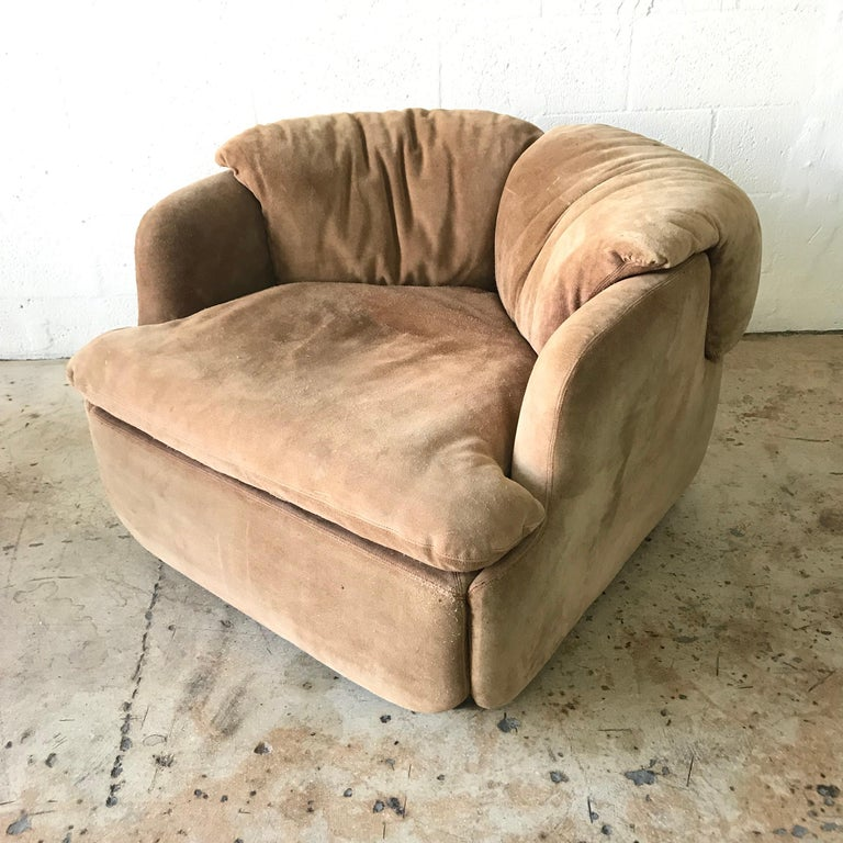 """20th Century Rare Pair of Suede """"Confidential"""" Armchairs or Club Chairs by Alberto Rosselli For Sale"""