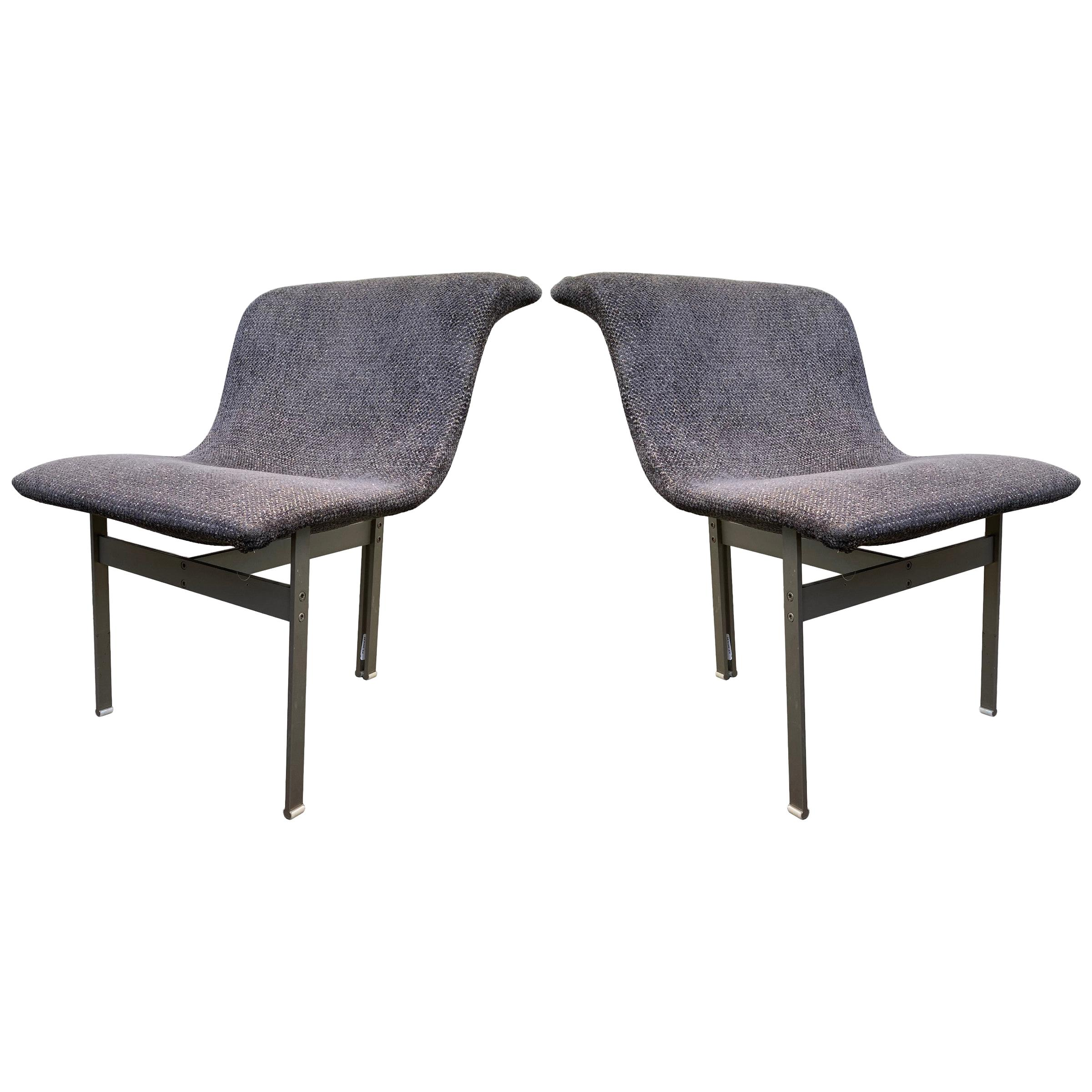 """Rare Pair of """"Wave"""" Occasional Chairs by Giovanni Offredi for Saporiti Italia"""