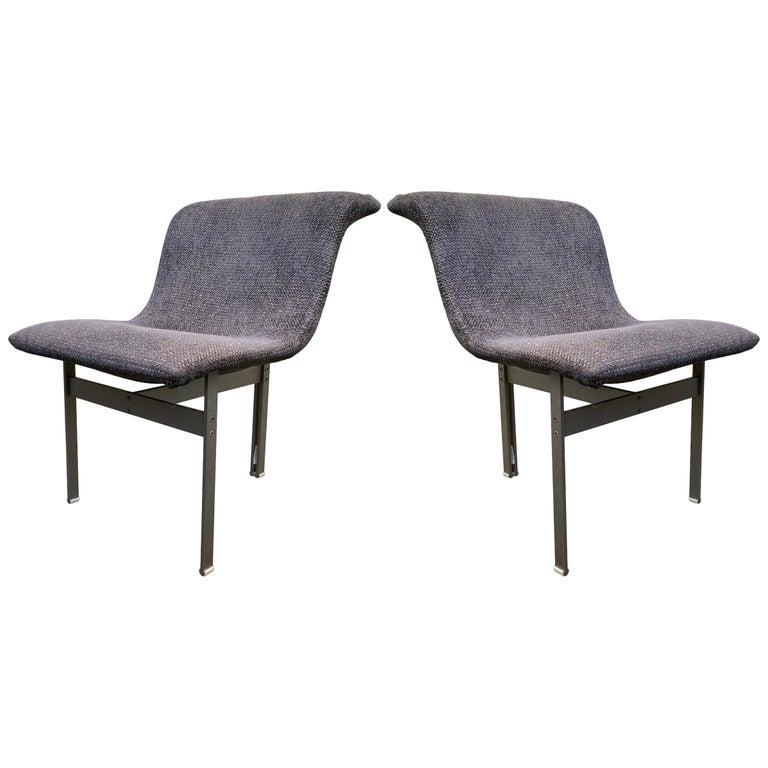 """Rare Pair of """"Wave"""" Occasional Chairs by Giovanni Offredi for Saporiti Italia For Sale"""