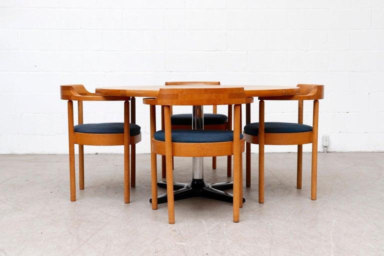Dutch Rare Pastoe Round Oak Pedestal Dining or Center Table For Sale