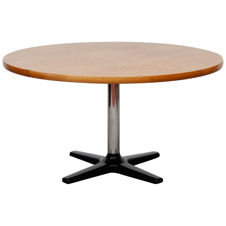Rare Pastoe Round Oak Pedestal Dining or Center Table For Sale