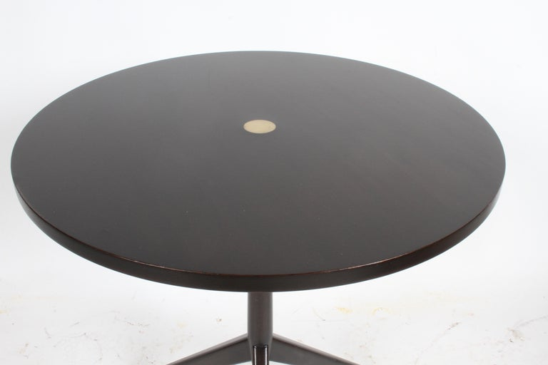 Rare Paul McCobb Tripod Side Table Model # 70008 In Good Condition For Sale In St. Louis, MO