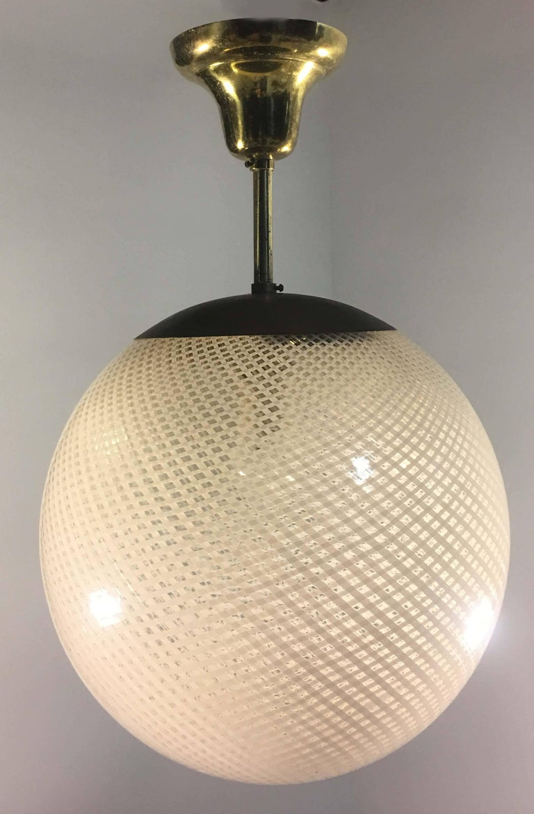 Italian Globe Chandelier Reticello attibuited to Carlo Scarpa per Venini, Murano, 1950s For Sale