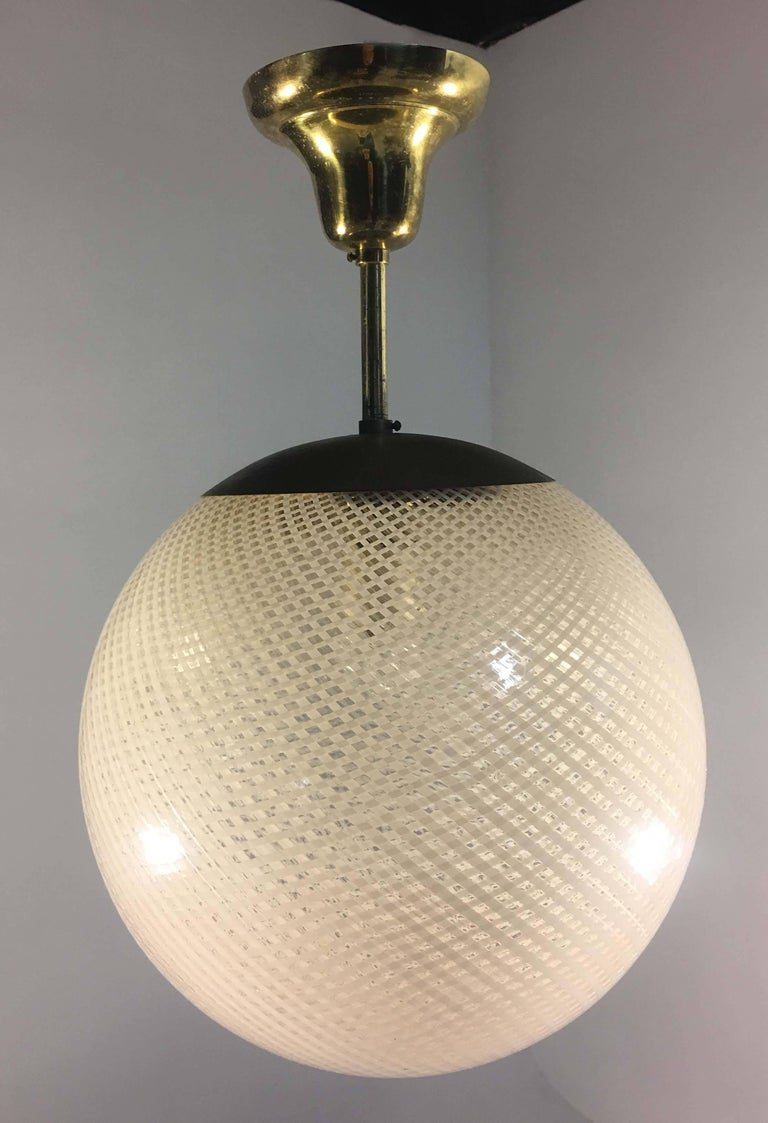 Brass Globe Chandelier Reticello attibuited to Carlo Scarpa per Venini, Murano, 1950s For Sale