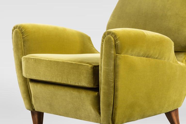 Rare Pierluigi Colli Lounge Chair, 1950s, in Lelievre Velvet In Good Condition For Sale In Torino, IT