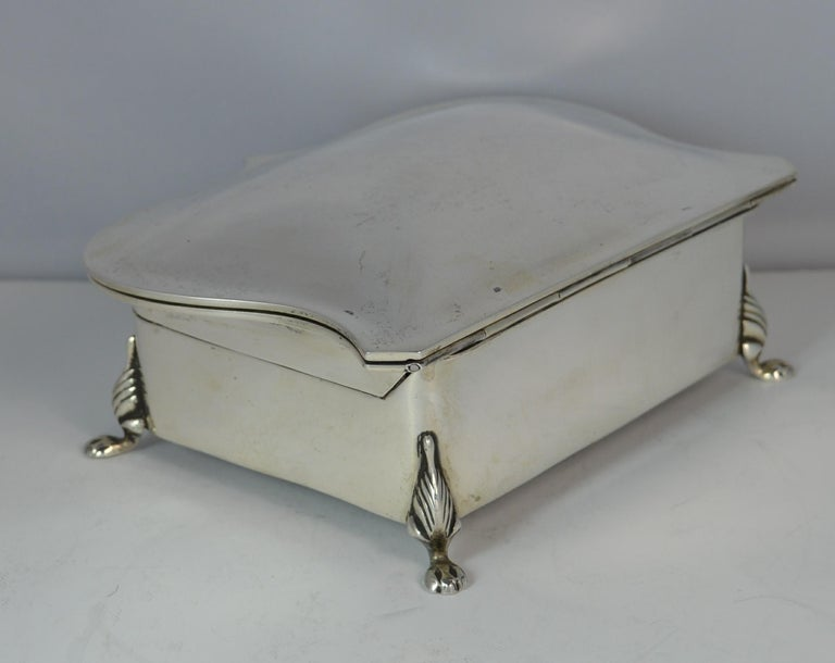 Rare Plain 1919 Hallmarked Solid Silver Two-Tier Jewelry and Multi Ring Box In Good Condition For Sale In St Helens, GB