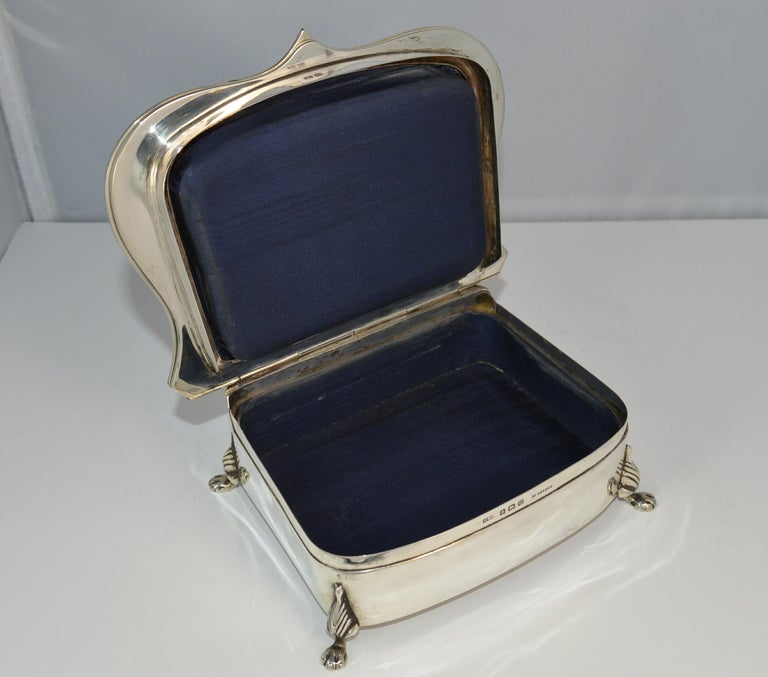 Rare Plain 1919 Hallmarked Solid Silver Two-Tier Jewelry and Multi Ring Box For Sale 4