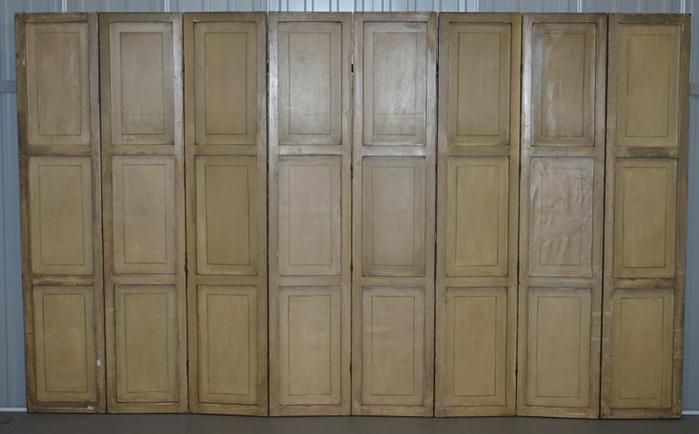 Lovely circa 1900-1920 Qing Dynasty Canvas Chinese 8-Panel Folding Screen For Sale 12