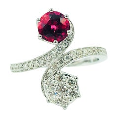 Rare Red Spinel and Diamond Ring 18 Karat Gold