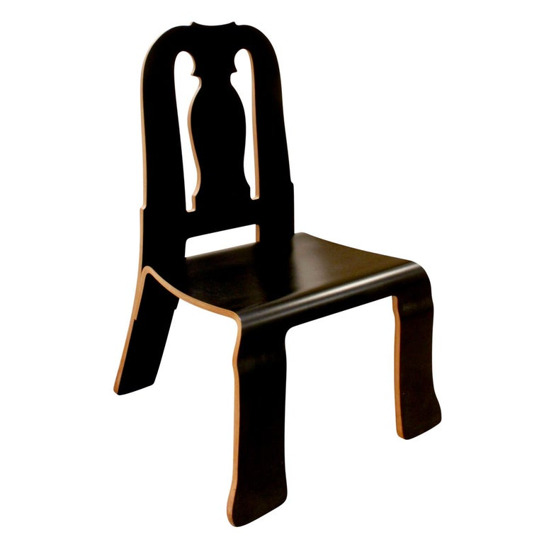 Rare Robert Venturi Set of 14 Queen Anne Chairs for Knoll circa 1984 'Signed' For Sale 1